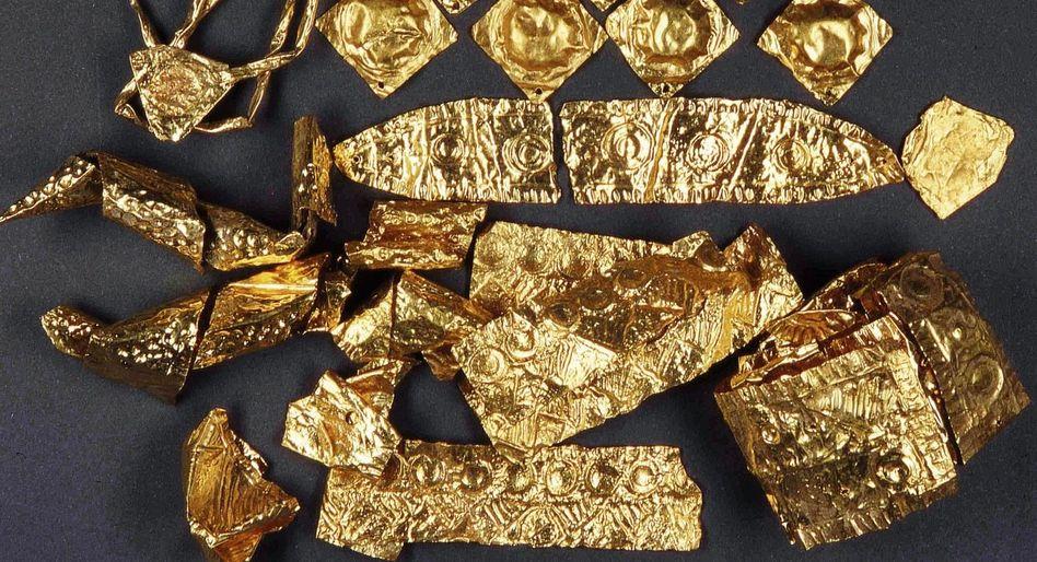 Schmuckstücke aus Goldblech Atlantis in Oberbayern