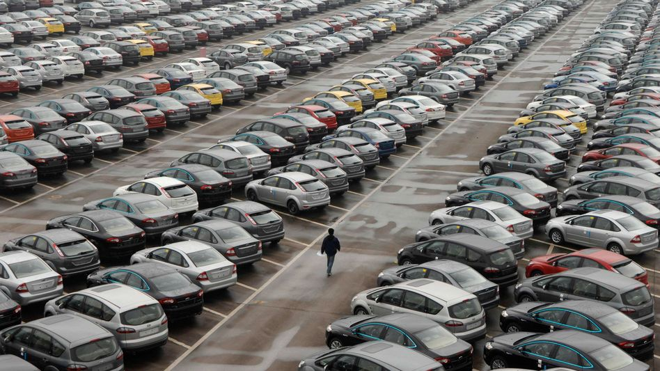 Chinese consumers bought more cars than their European counterparts in 2012.