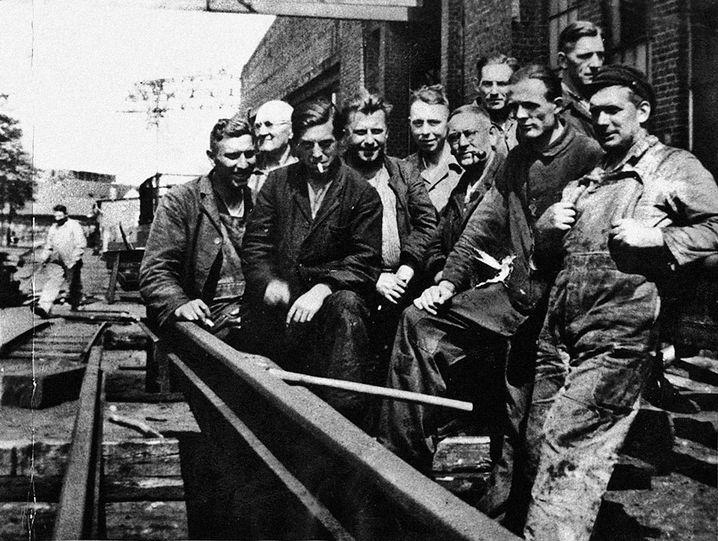 """Vater Biermann (3. v. l.) in Hamburg 1936: """"Ich! bin! Jude!"""""""