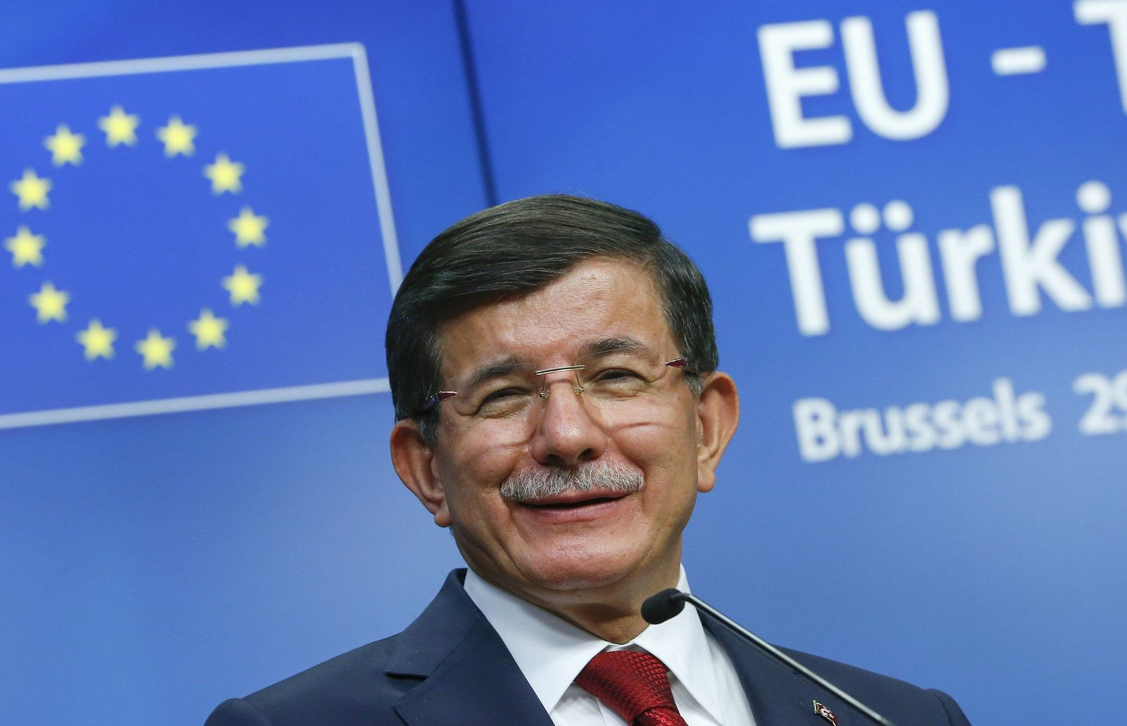 EUROPE-MIGRANTS/TURKEY davutoglu