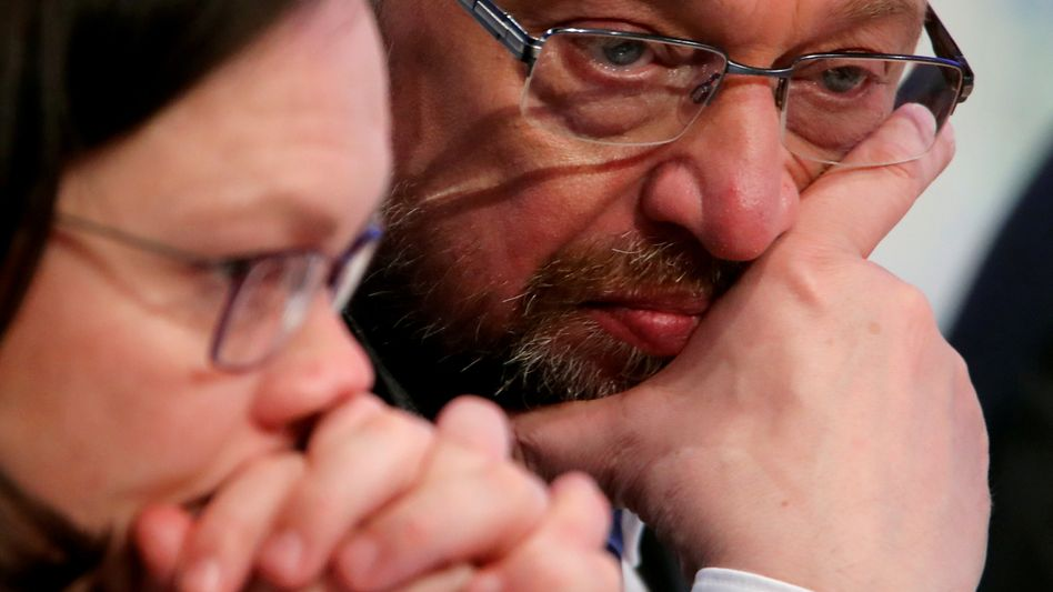 SPD leader Martin Schulz (right) together with Andrea Nahles, who is set to replace him.