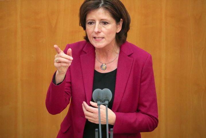"""Rheinland-pfälzische Ministerpräsidentin Dreyer (SPD): """"Wie konnte es dazu kommen?"""""""