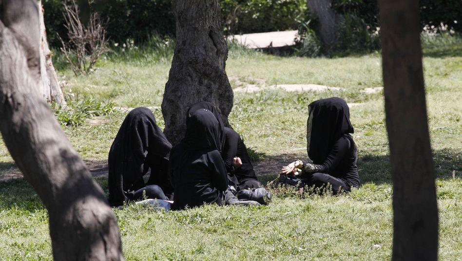 Verschleierte Frauen in der IS-Hochburg Rakka (Archivbild aus dem März 2014)