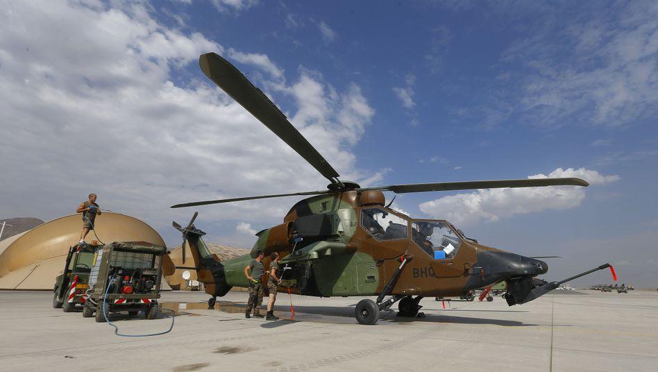 Nato-Truppen auf dem Kabuler Flughafen: Isaf bedauert Angriff auf Frauen