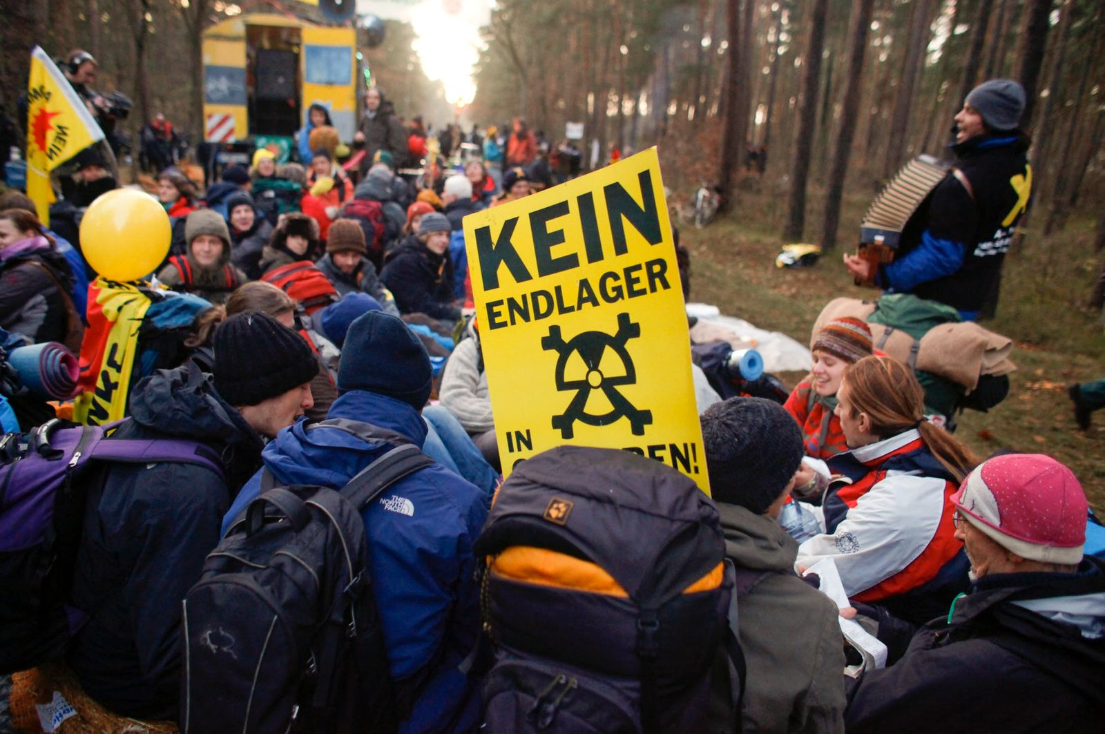 Anti-nuclear protesters block street to prevent Castor transportation in Gorleben