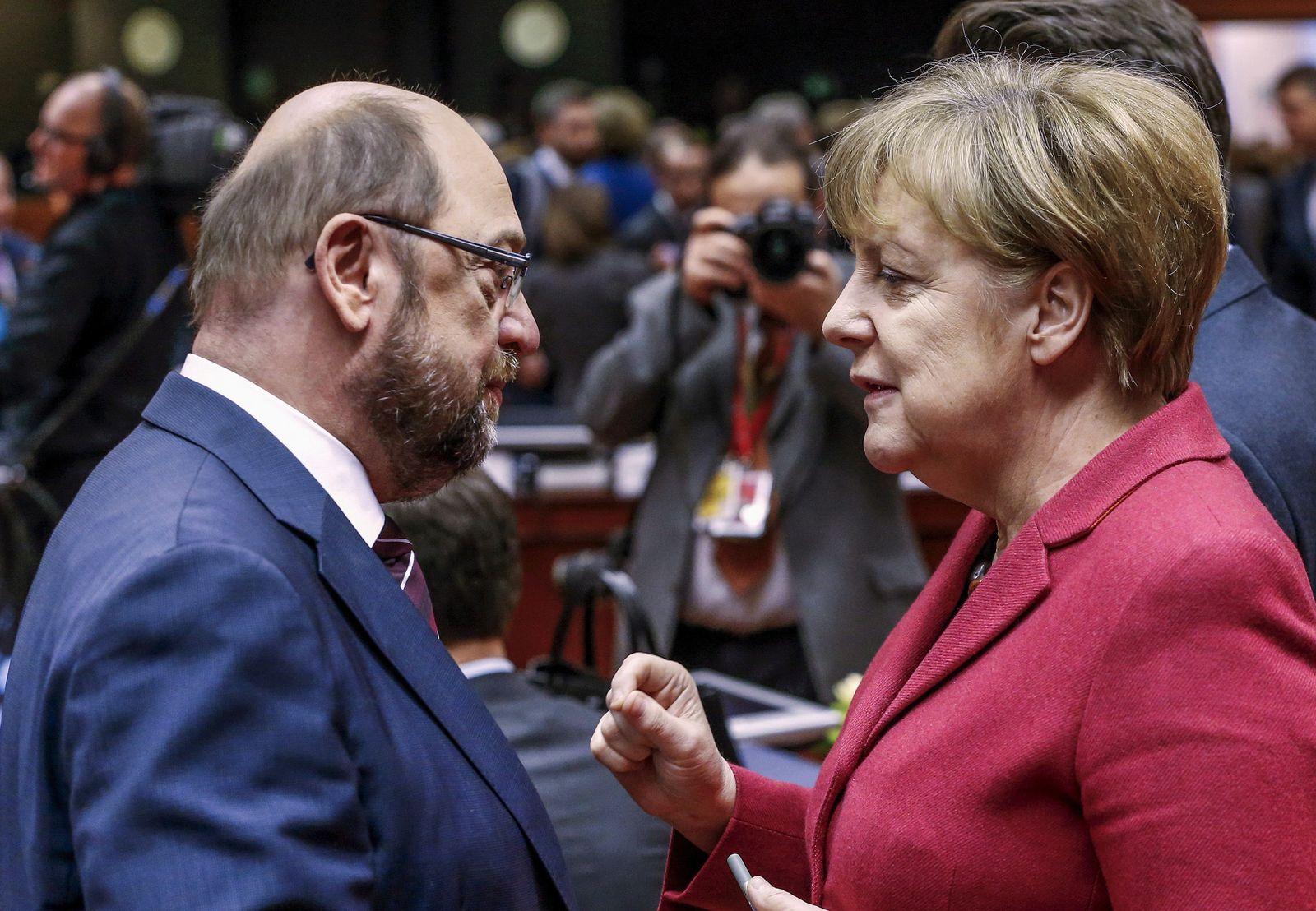 Martin Schulz mit Angela Merkel