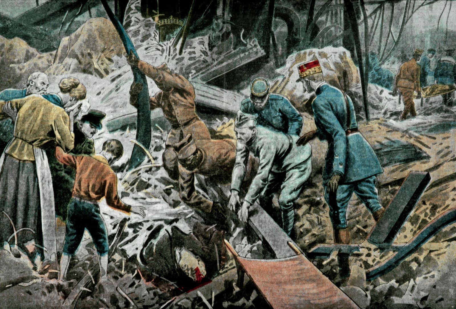 Usine Les soldats francais, marocains et malgaches, sous la direction de leurs officiers, travaillent au sauvetage des s