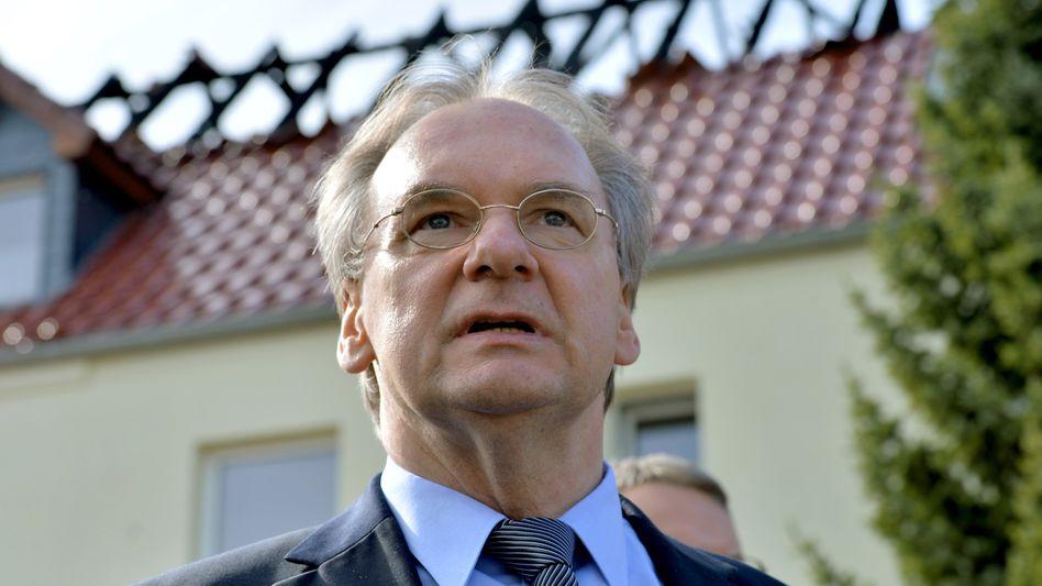 """Sachsens-Anhalts Ministerpräsident Haseloff in Tröglitz: """"Wir weichen keinen Schritt zurück"""""""