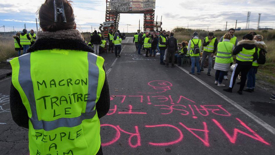 Proteste der sogenannten Gelbwesten gegen Frankreichs Präsident Macron