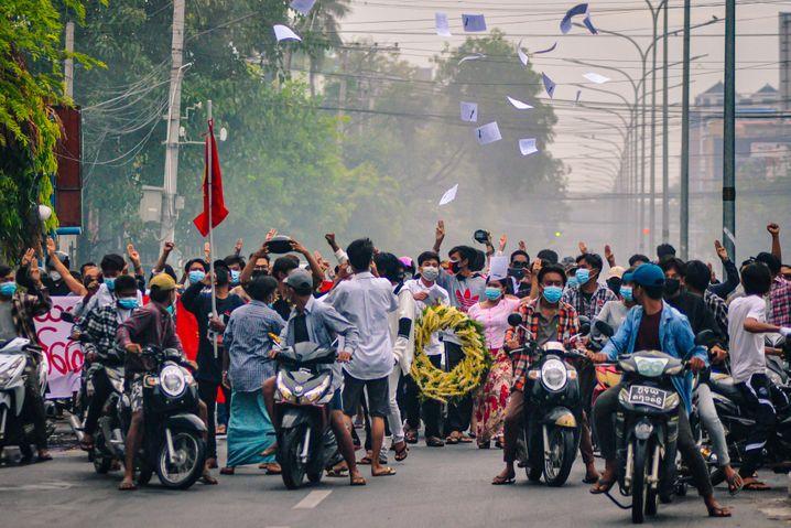 Myanmar versinkt seit dem Putsch in Gewalt und Chaos