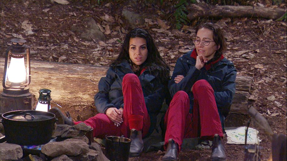 Dschungelcamp, Tag 4: Elena Miras (links) und Anastasiya Avilova