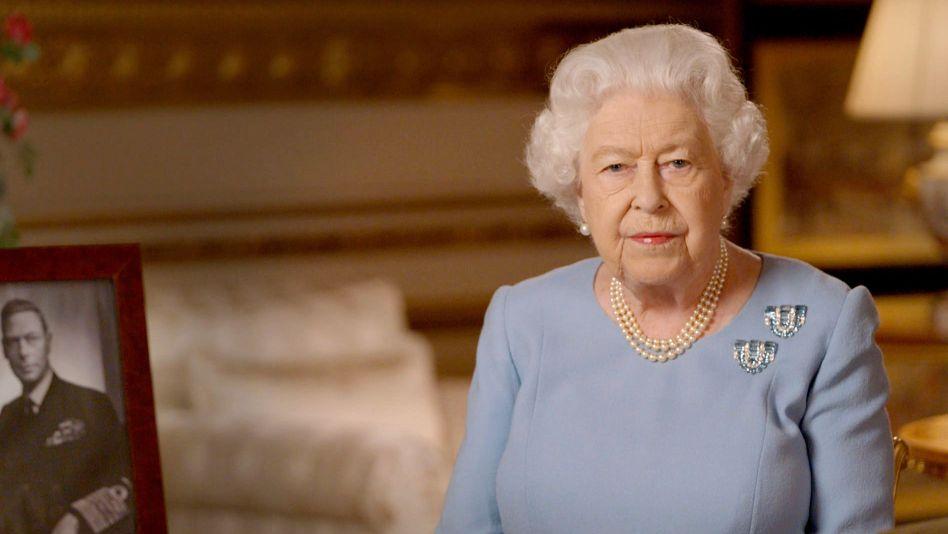 Die Queen erinnert sich noch an den Jubel auf dem Balkon des Buckingham-Palasts