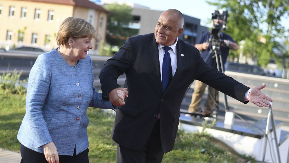 Bulgariens Ministerpräsident Borissow begrüßt Merkel