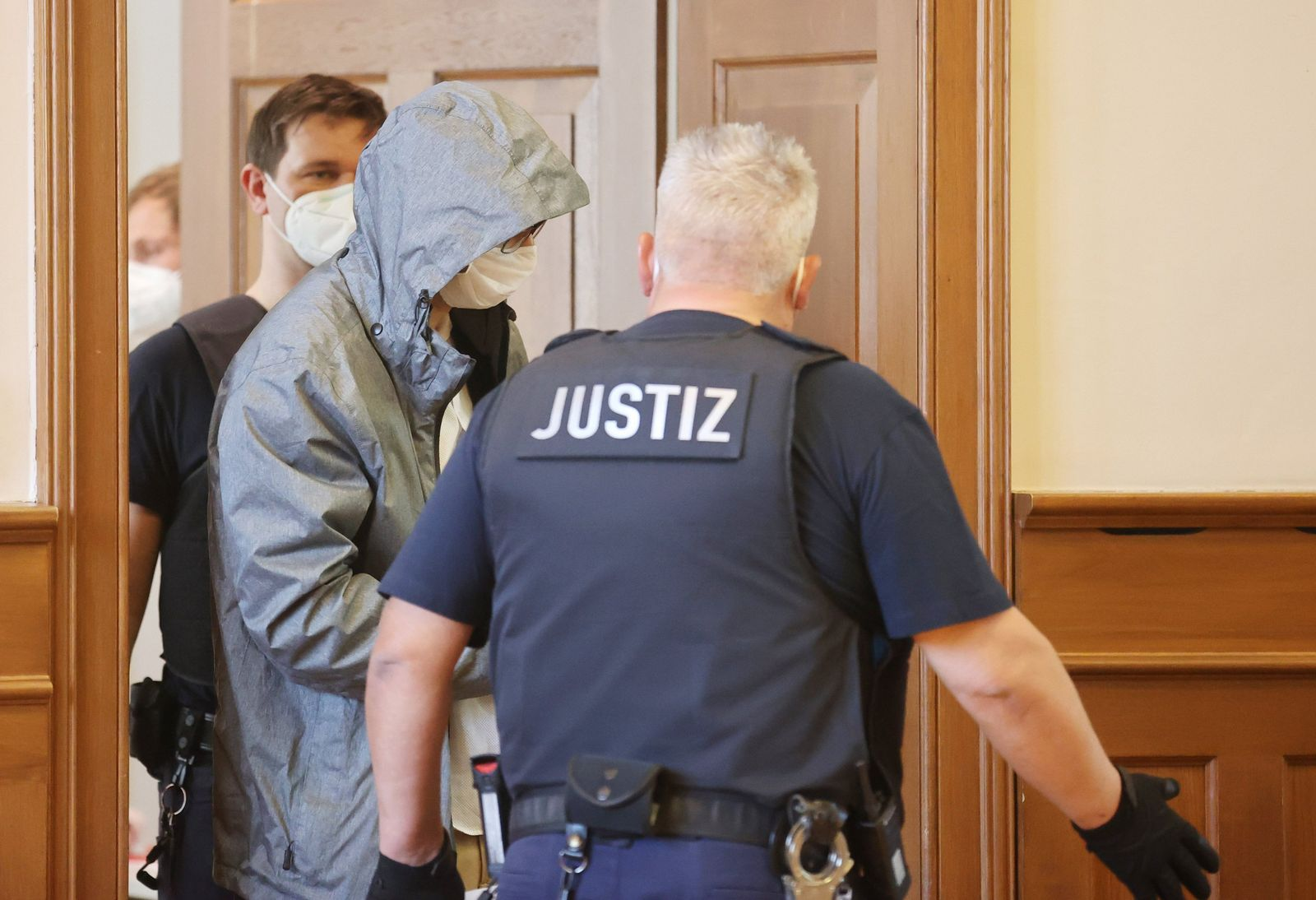Vergewaltigung - Prozess gegen zwei Polizisten beginnt