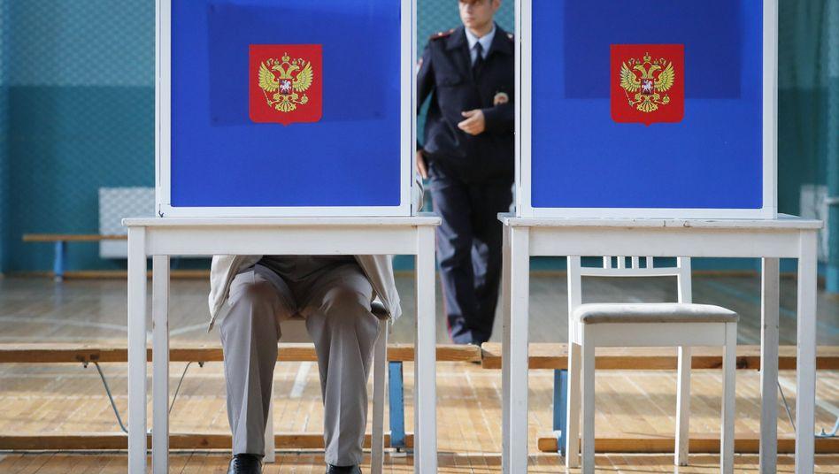 Wählen in Russland: Hier wird in einem Wahllokal in Sankt Petersburg abgestimmt