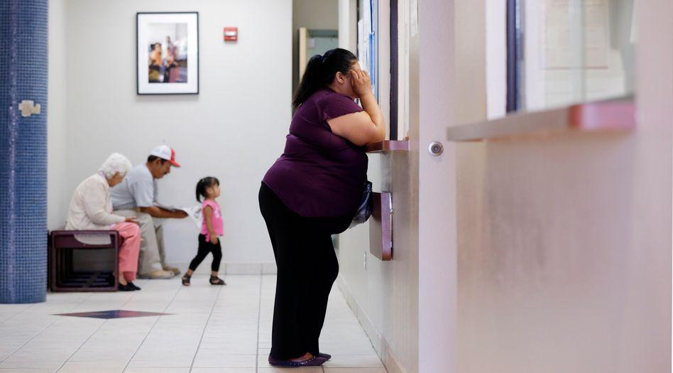 Frau in einem Krankenhaus in Texas