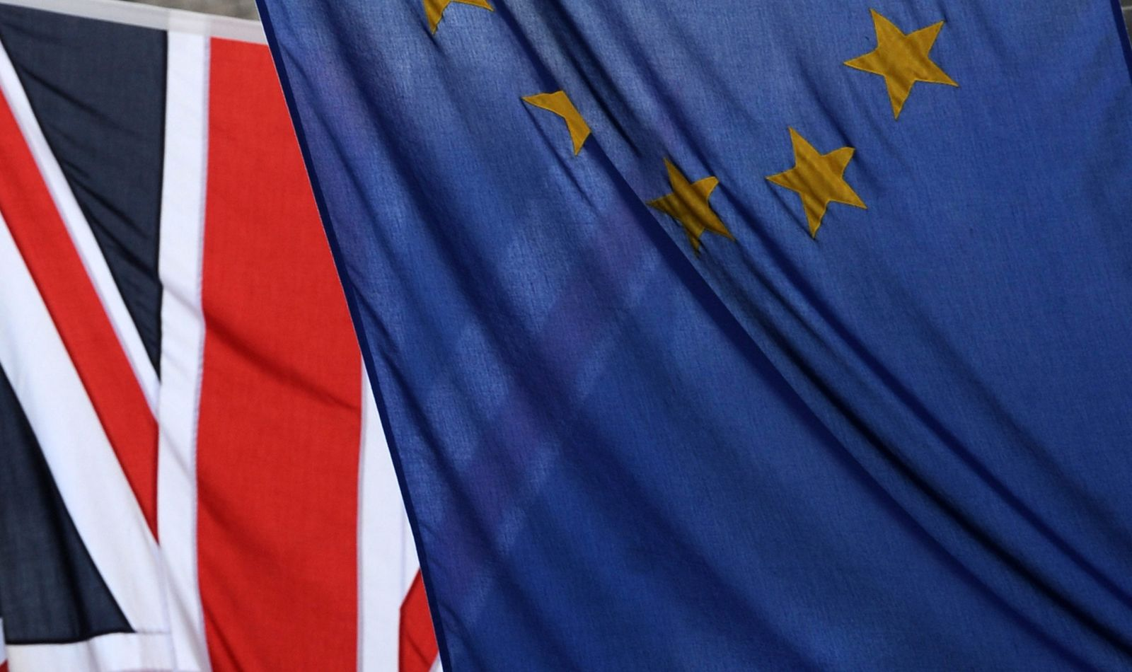 Britische und EU Fahnen