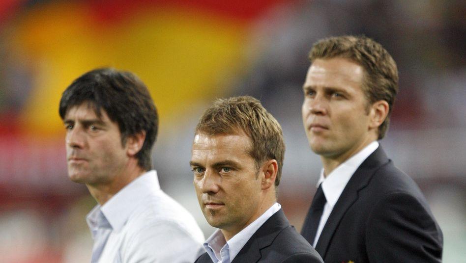 Bundestrainer Löw, Co-Trainer Flick, Manager Bierhoff (v.l.n.r.): Bald vorbei?