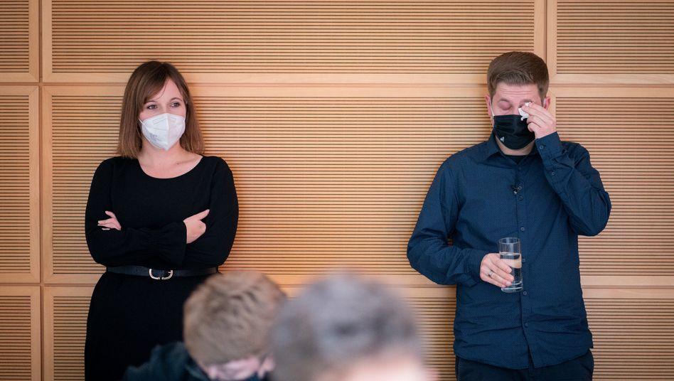 Die künftige Juso-Vorsitzende Jessica Rosenthal mit ihrem Vorgänger Kevin Kühnert im Willy-Brandt-Haus