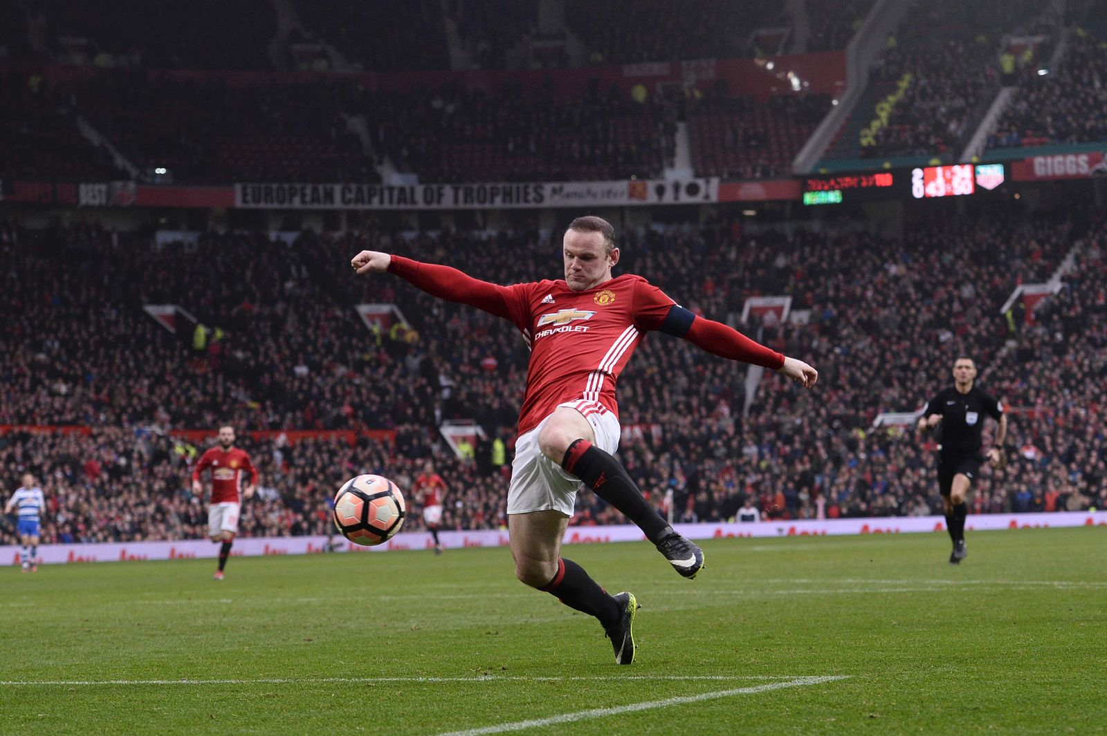 TOPSHOT-FBL-ENG-FACUP-MAN UTD-READING