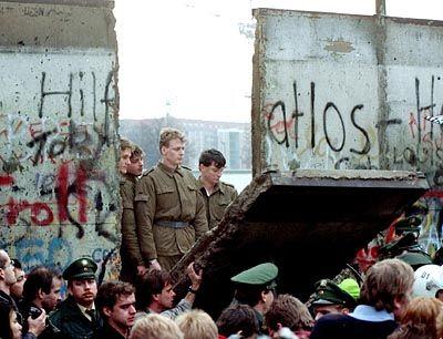 Mauerfall in Berlin: Ökomomisch gesehen ein schlechtes Geschäft