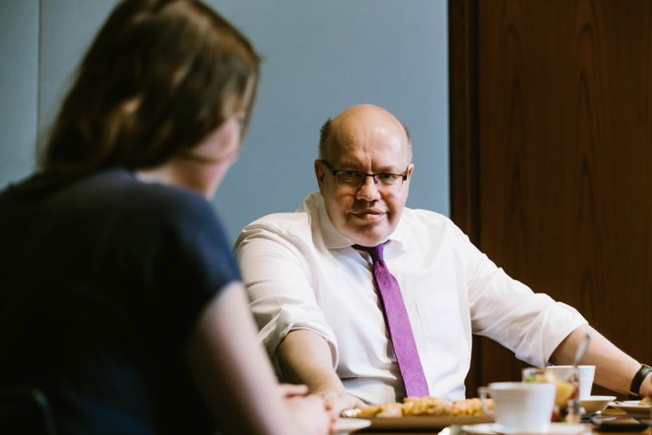 """German Economics Minister Peter Altmaier: """"Back when I was in school, in our free time we sawed up border posts and campaigned for a Europe without internal borders, with a common currency and a European environmental policy."""""""