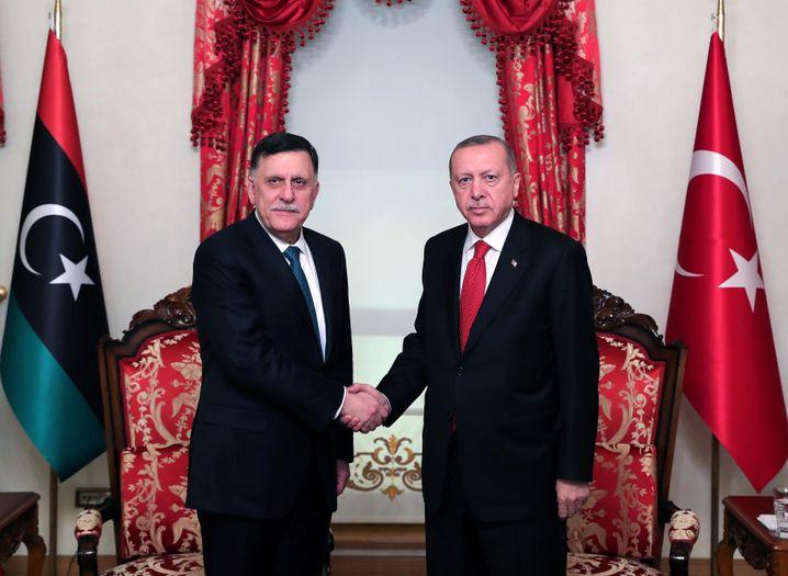 Der türkische Präsident Erdogan und Libyens Premier Sarraj in Istanbul