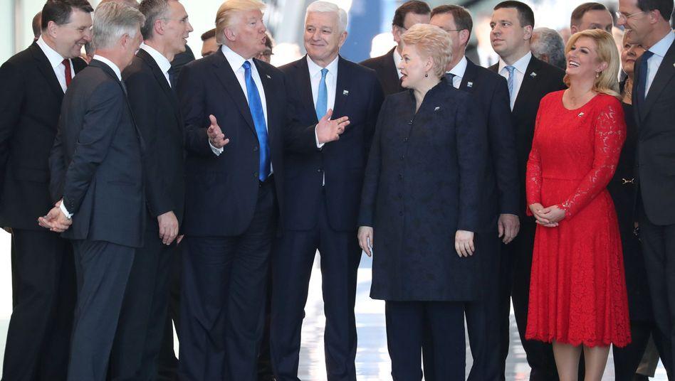 Donald Trump und Montenegros Premier Dusko Markovic (Mitte) in Mai 2017