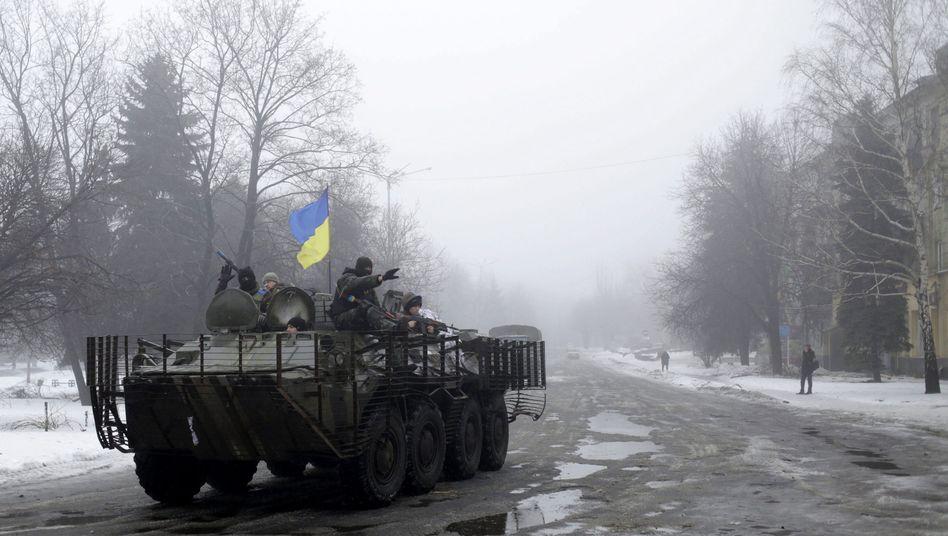 Ukrainischer Panzer in Donezk: Gefechte mit russischen Truppen