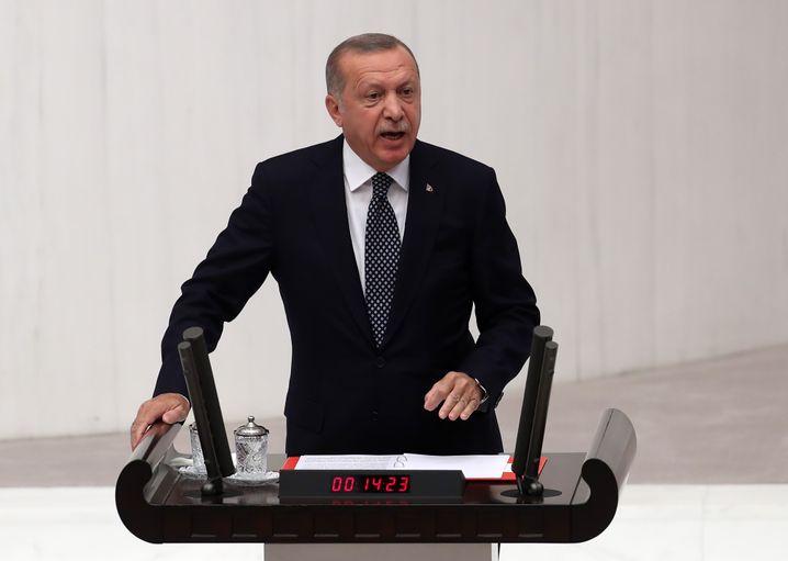 Recep Tayyip Erdogan droht mit einer Offensive gegen die Kurden in Syrien