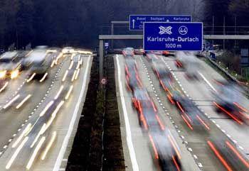Autobahn 5: Spinnen sorgten für Tempo 40