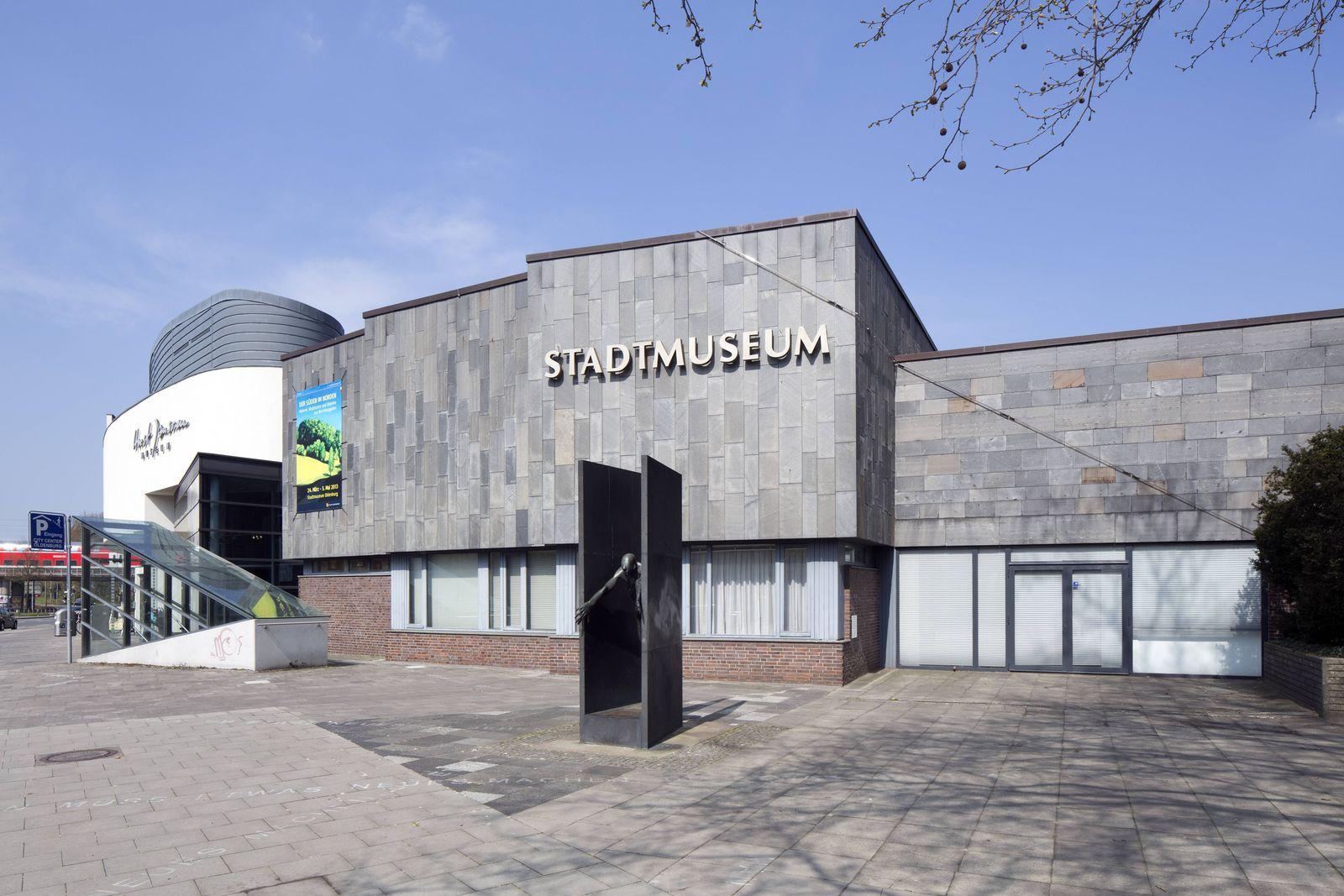 Oldenburger Stadtmuseum Oldenburg Niedersachsen Deutschland Europa iblrbb04035184 jpg