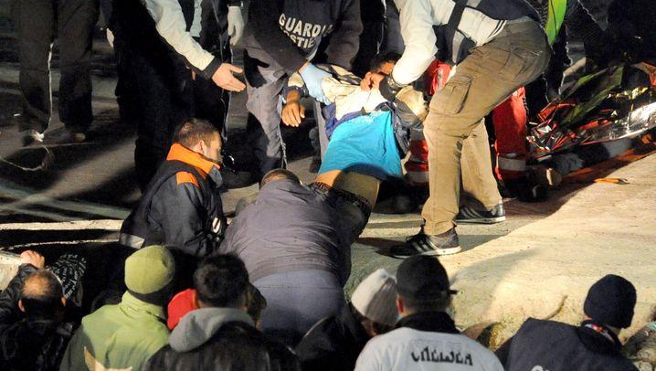 Lampedusa: Flüchtlingsboot gekentert