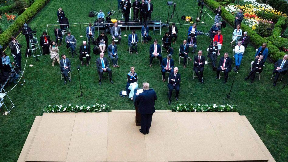 Donald Trump: Will er mit der Kritik eigene Versäumnisse in der Coronakrise kaschieren?