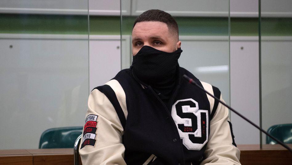 Patrick Losensky, auch bekannt als Fler, in Berlin vor Gericht