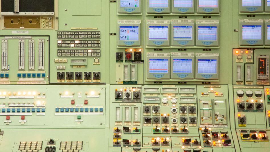 Blick in den Kontrollraum des Atomkraftwerks Pickering