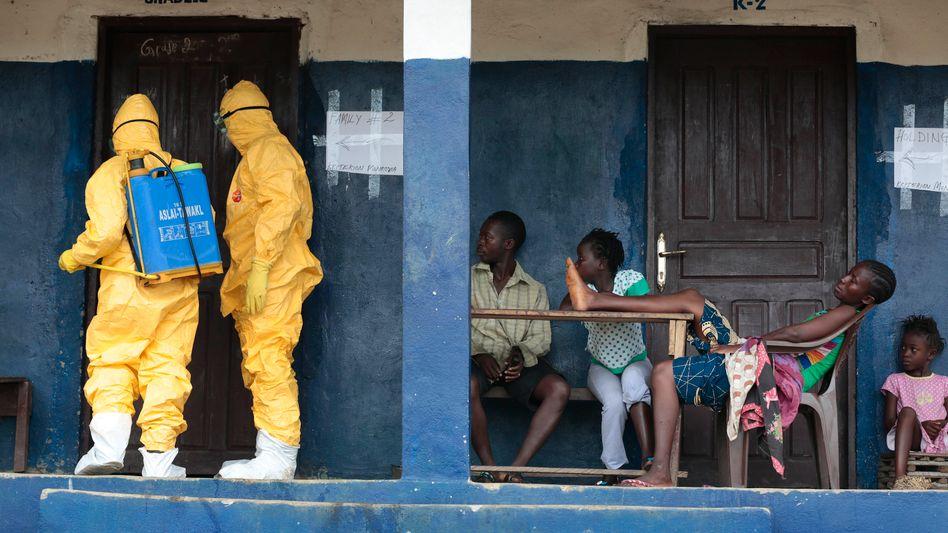 Rettungsdienst bei Monrovia: Weniger Ebola-Neuerkrankungen gemeldet
