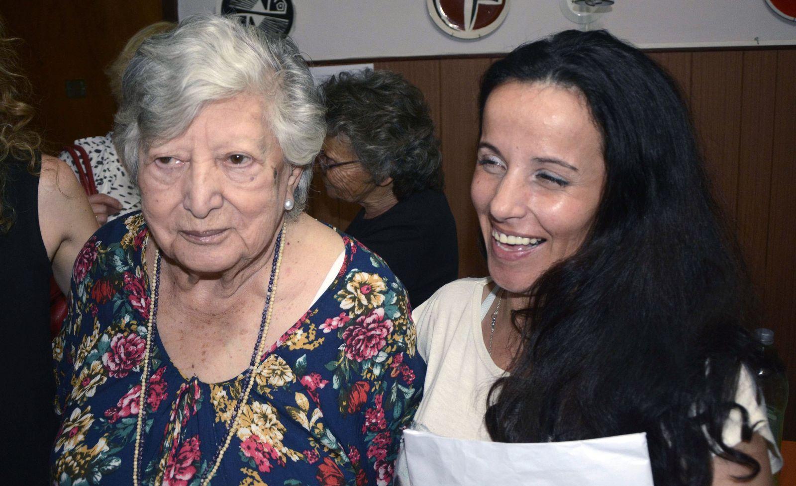 Argentinien Großmutter Enkelin