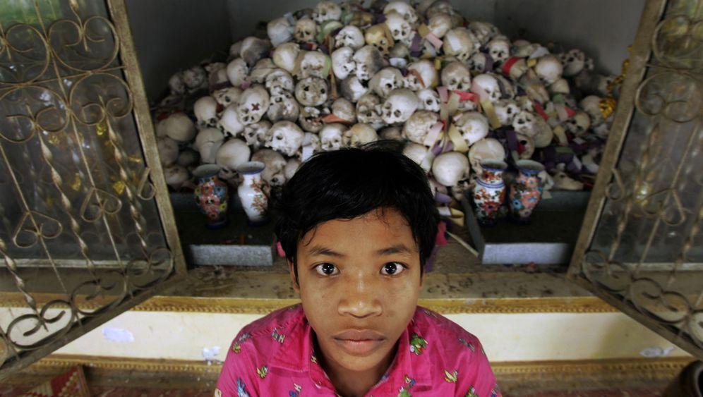 """Rote-Khmer-Tribunale: """"Angkar sieht alles, hört alles"""""""