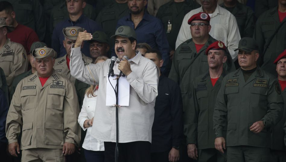 Venezuelas Machthaber Nicolás Maduro: Das Militär hielt ihm die Treue - aus Mangel an Anreizen