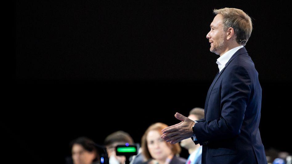 """""""Nicht, was ihr jetzt denkt"""": Christian Lindner bei seiner Rede auf dem Parteitag in Berlin"""