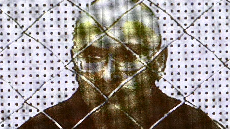 Gefangener Chodorkowski - per Video in ein Moskauer Gericht zugeschaltet