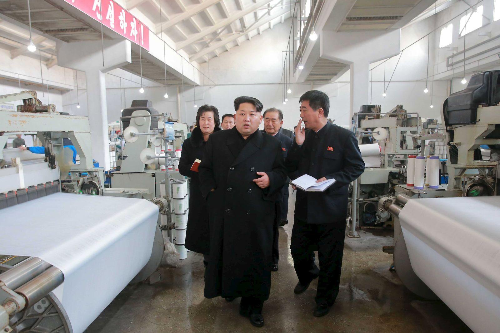 Nordkorea/ Kim Jong Un/ Textilfabrik