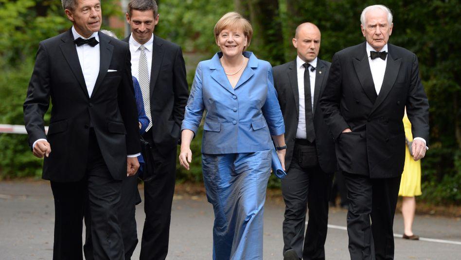 Angela Merkel (in Bayreuth): Umfrage gibt Grund zu guter Laune