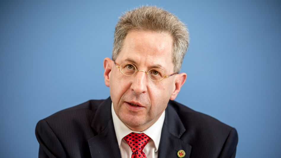 CDU-Kandidat Hans-Georg Maaßen relativierte seine umstrittenen Interviewaussagen am Sonntagabend teilweise
