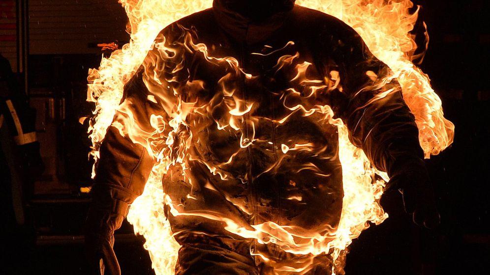 """Weltrekord im """"In-Flammen-Stehen"""": He's on Fire"""