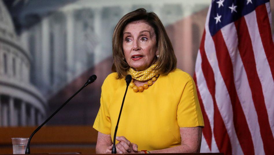 """Nancy Pelosi: """"Wurde der Präsident unterrichtet, und wenn nicht, warum nicht, und warum wurde der Kongress nicht unterrichtet?"""""""