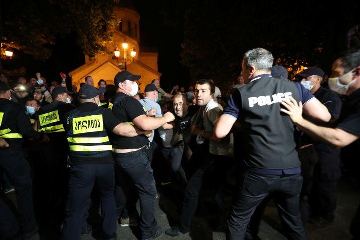 Polizeieinsatz bei der Demo am 5. Juli: Scharfe Kritik am Vorgehen