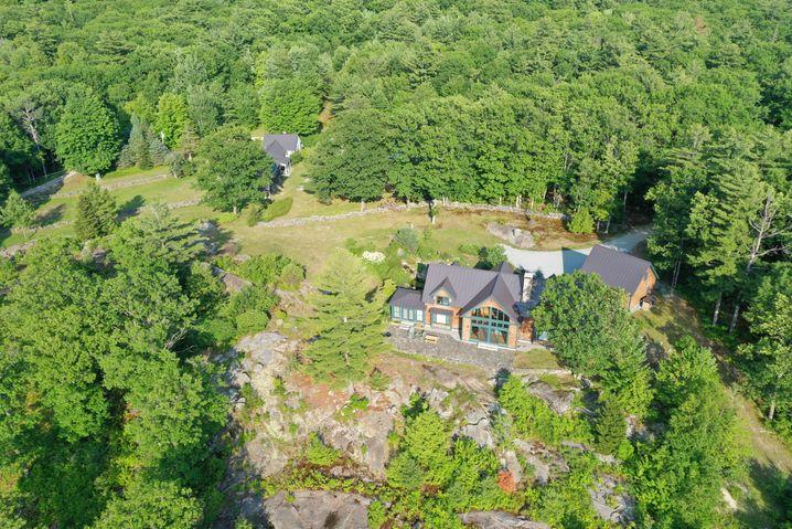 """""""Totale Privatsphäre"""": Die 1,1-Millionen Dollar-Villa in New Hampshire, in der sich Maxwell versteckt hatte"""