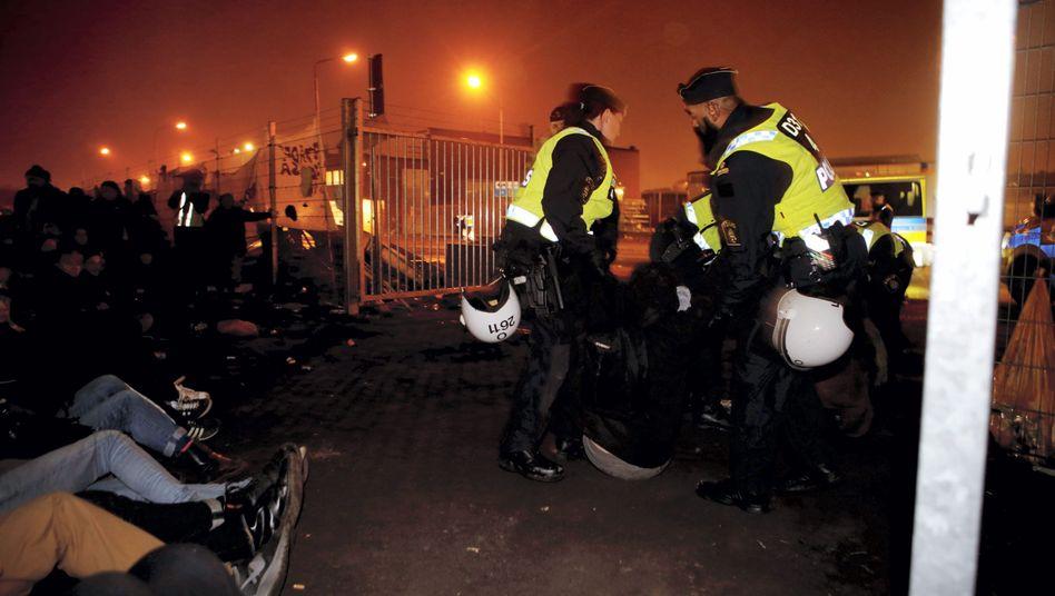 """Polizeieinsatz in illegalem Flüchtlingscamp in Malmö (Archivbild vom November): """"Rückkehr mithilfe von Zwang"""""""